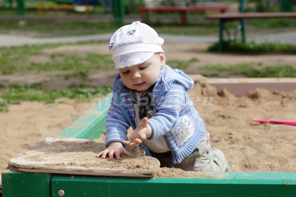 Развивающие игры и занятия для детей от 1 года до 1 года 3 месяцев (подробный план — конспект) 9_pesok