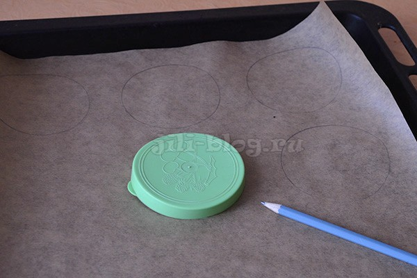 Рисуем круги на пергаментной бумаге