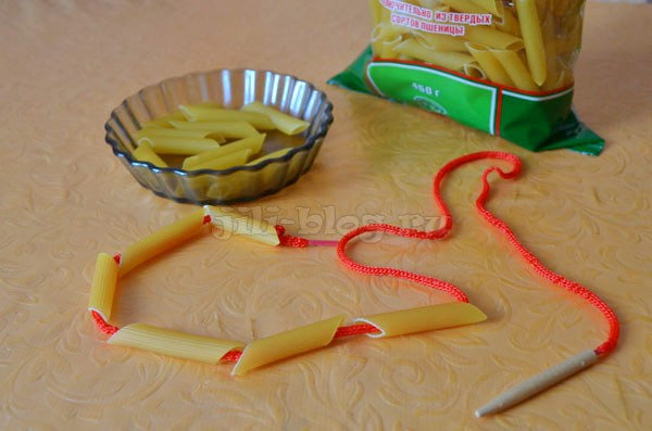 Шнуровка с макаронами