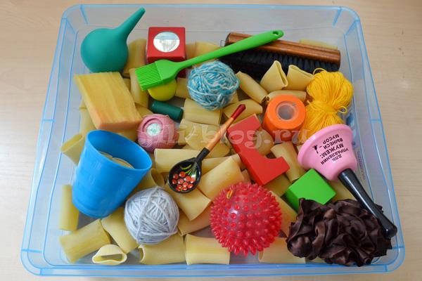 Сенсорная коробка для ребенка своими руками 388