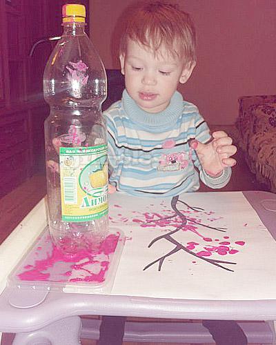 Рисование пластиковой бутылкой