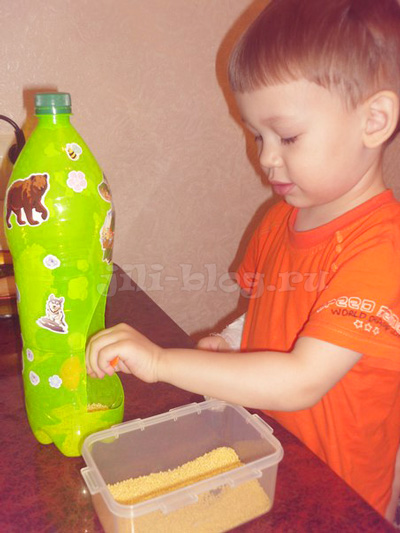 Кормушка из пластиковой бутылки своими руками