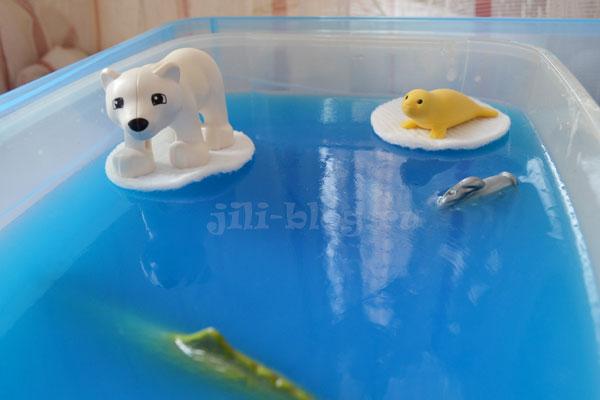 Океан в сенсорной коробке для малышей