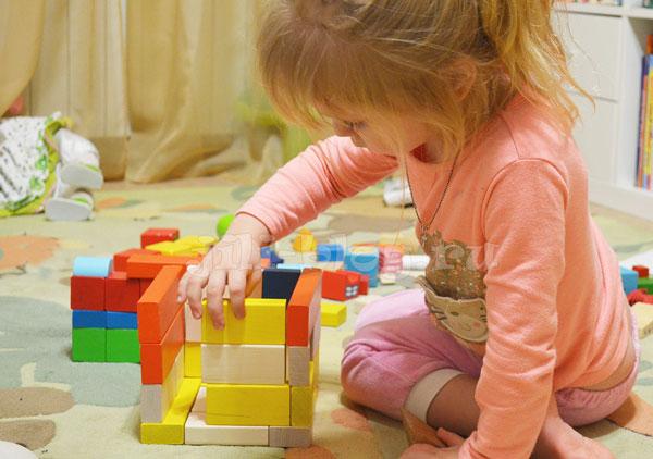 Строим из кубиков