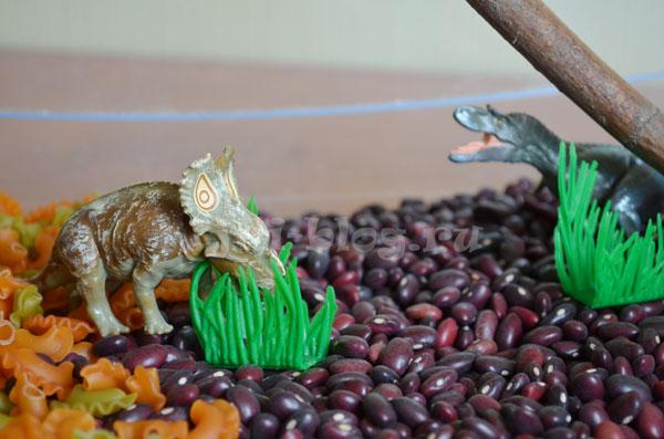 Сенсорная коробка Мир динозавров