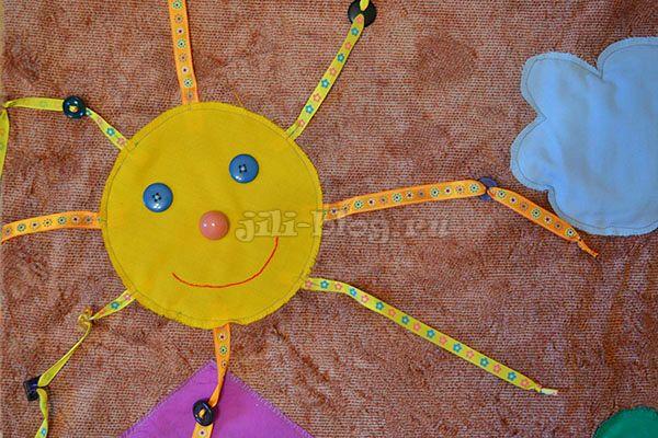 Развивающий коврик для детей с пуговицами