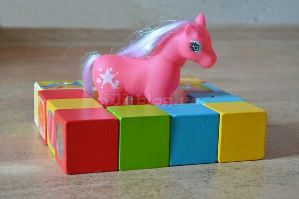 Строим заборчик из кубиков