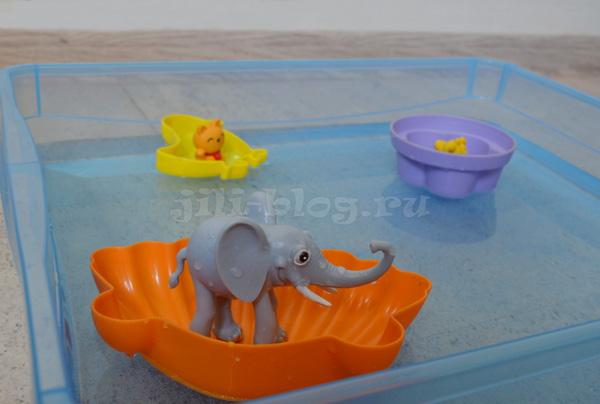 Кораблики из формочек для песка