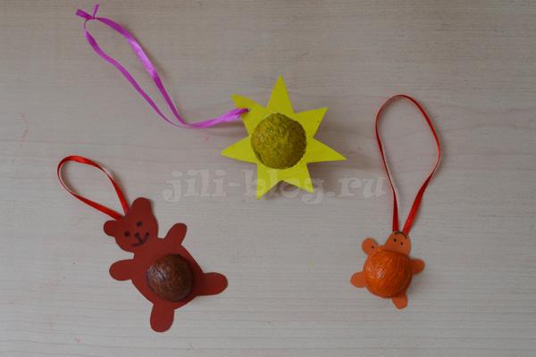 елочные игрушки из грецких орехов