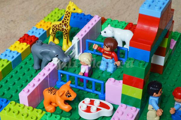 Зоопарк из конструктора Лего