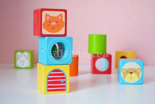 Играем с кубиками 9 месяцев