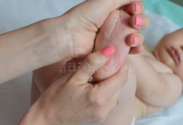 Массаж стопы ребенку 3 месяцев