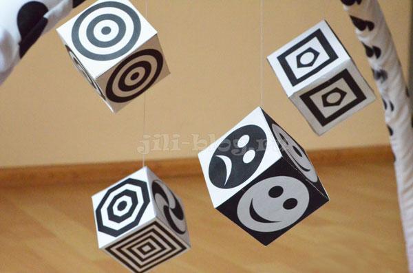 Черно-белые кубики для новорожденных СКАЧАТЬ